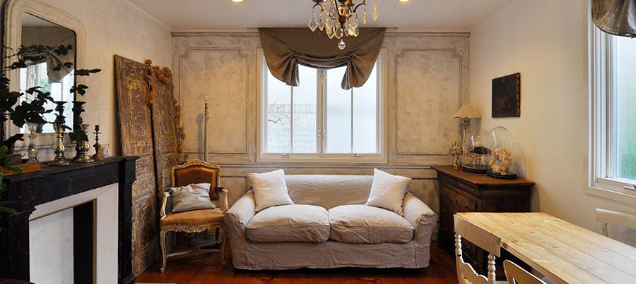 一軒家を自分好みに彩る  ヨーロッパへの思いに溢れた アンティークの館