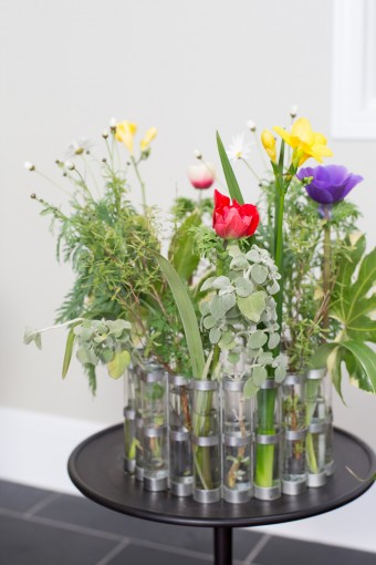 ツェツェの花器。ありあさんがお庭で摘んでくる草花を活けることが多い。