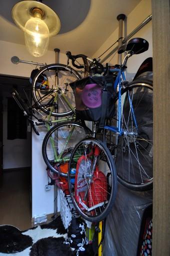家族の趣味はアウトドア。夫を中心にキャンプ、山登り、自転車、サーフィンなどを楽しんでいる。