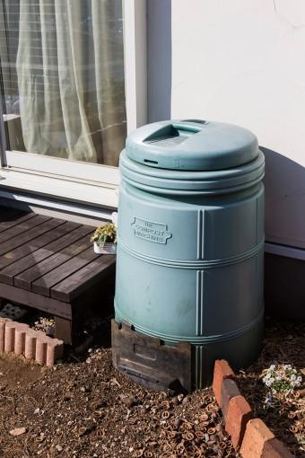 """コンポストで堆肥を作る。望美さんの料理教室「choco ecoco」はエコを""""ちょこっと""""意識。"""