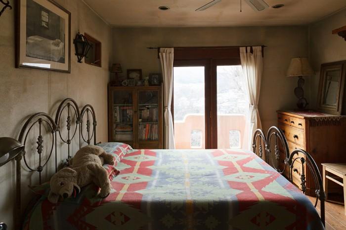 2階の寝室からは、津久井湖が見える。