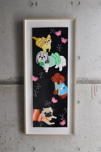 松尾さんの作品。絵や写真は2~3カ月に一度は差替える。今は犬がテーマ。
