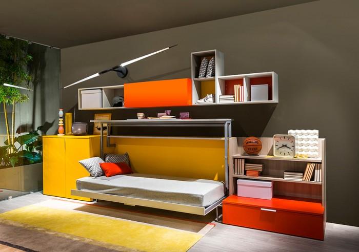 「Cabrio」シリーズ。デスクを閉じればスペースができ、ベッドを引き出すこともできる。