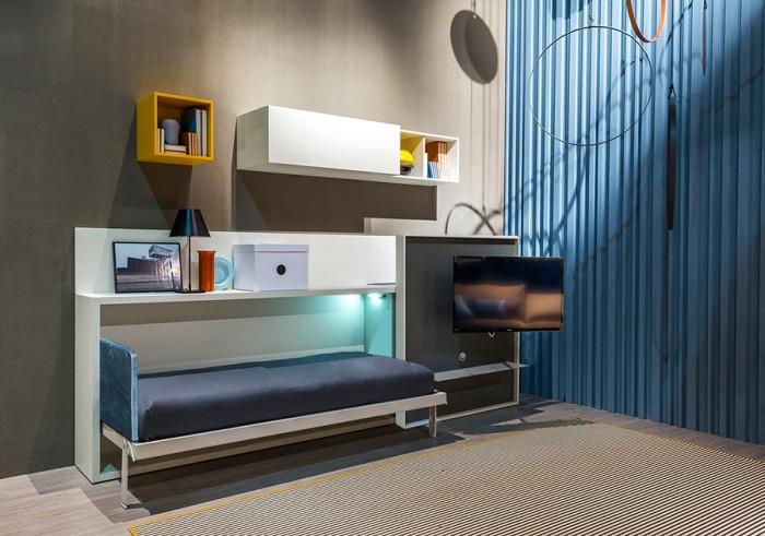 「Kali Theatre」シリーズ。TVのついたウォールをスライドさせてベッドを引き出す。TVは角度を変えてベッド上でも見られる。