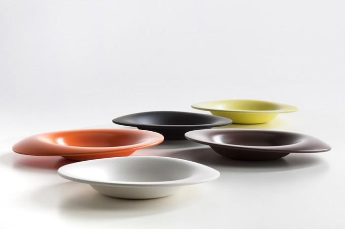 「Panis.B.」ミラノの有名シェフ、アンドレア・ベルトンがプロデュースしたパン皿。材質はメラミン。