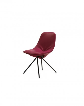 「DU30」Gastone Rinaldiデザイン(1953年)。復刻版の背と座面は皮革製。前面は手縫い。