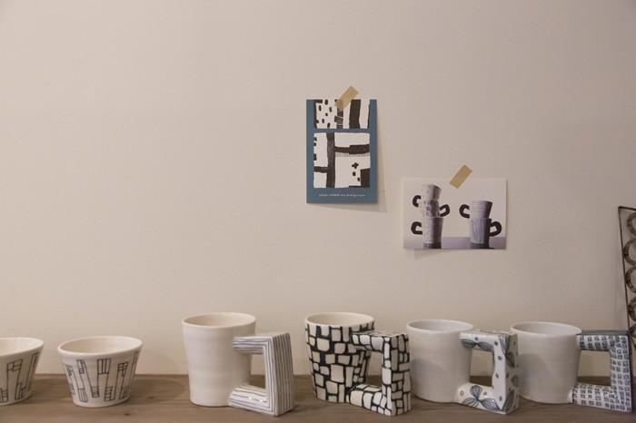 陶芸作家として活動する亜由美さんの作品。マグカップはインパクトある持ち手が、意外にも持ちやすく使いやすい。