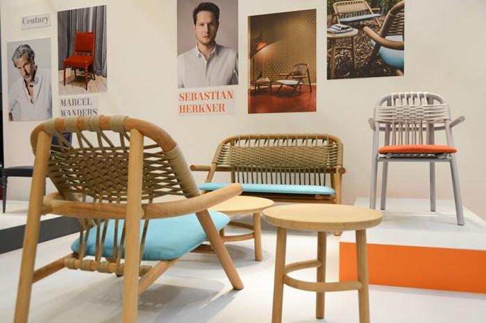 「UNAM」Sebastian Herknerデザイン。懐かしさを感じさせる木と船舶ロープの組み合わせ。屋外での使用可能。