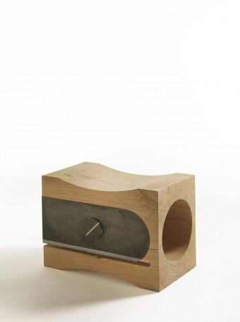 """スツール「Temperino」Alessandro Guidolinデザイン。デザイナーの必需品""""鉛筆削り""""。身近で普遍的な道具のサイズ、使用目的を劇的に変化させ、遊び心と機能性を両立。"""