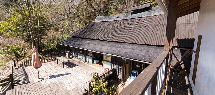 陶芸家の理想の家  タバコの葉の乾燥小屋を 住まいにリノベーション