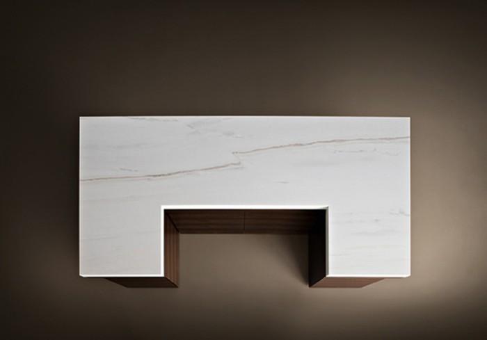 「Slide」Giorgio Armaniデザイン。不安を覚えるほど簡潔なデザインのキッチントップ。