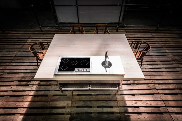 「Cucina Convivio」。調理する人と招待客が一緒に楽しめることがコンセプト。コンヴィヴィオとは饗宴、という意味。