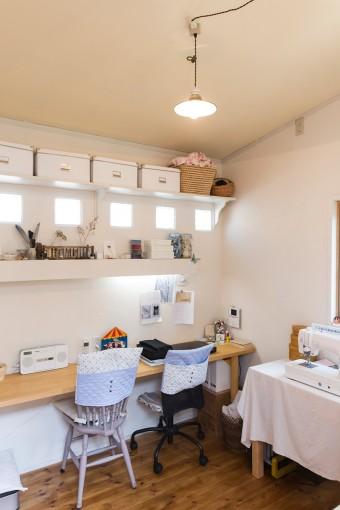 ここで布小物を作成。作品はネットでも販売している。http://cava-merci.chu.jp/