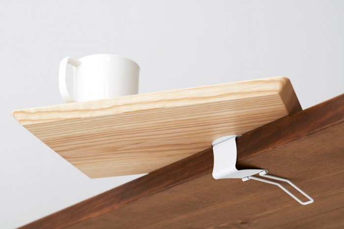 素材は木とステンレス製クリップのみ。
