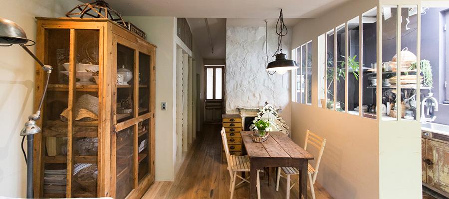 グリーン&アンティークを身近に  オリジナルのアレンジで フランス流癒しの空間を