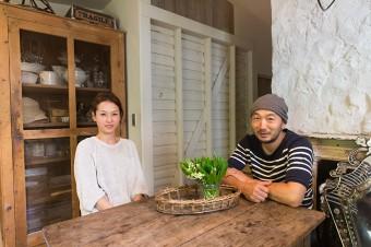 松田行弘・尚美夫妻。ともにガーデニングと古いものが好きで、園芸の勉強を経て「BROCANTE」を立ち上げた。