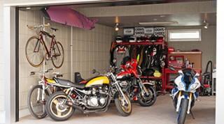 ヘーベルハウスの実例ガレージと床下げリビング多彩な空間を収めた3階建て