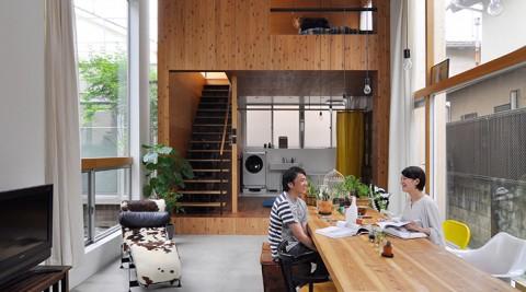 理想的な形で実現した3世帯住宅空間の増減もカスタマイズも可能な快適空間で暮らす