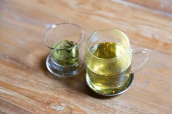 中国茶でおもてなし。心遣いが温かな雰囲気を生む。