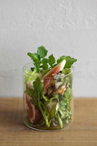 食卓が華やかになるサラダのコーディネイト。