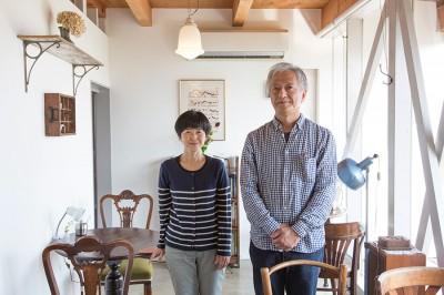 平山さん夫妻。日曜の朝は教会に行くクリスチャン。