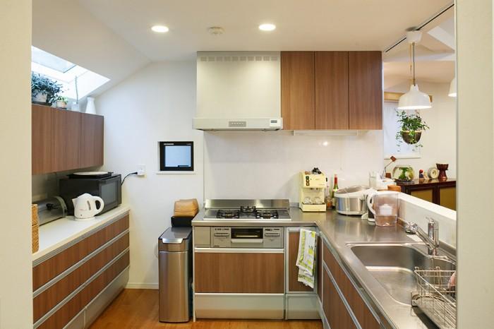 広々としたキッチンは、収納もたっぷり。