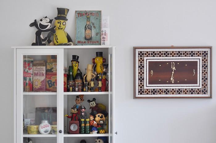 息子さんの奥さんがコレクションしたアンティークトイなどが楽しげな雰囲気をつくり出している。