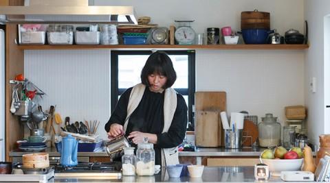 料理家の住まい兼仕事場オープンかつ広々人が集まる楽しいキッチン