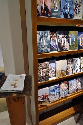 『DAYS  Book 365』には、オリジナルの1枚を追加して自分だけのフォトブックをカスタマイズして制作できる。メッセージも入れられるので誕生日や送別会などのプレゼントにも最適。