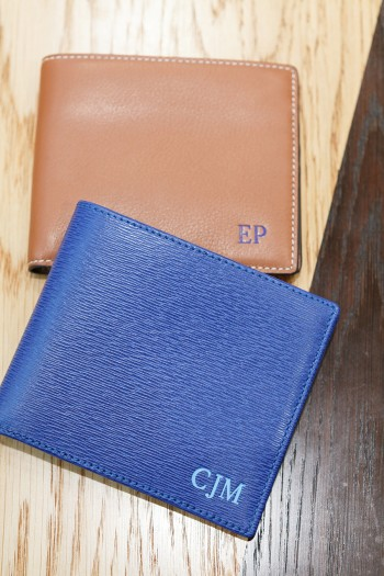 8card Wallet 各¥39,000 アニヤ・ハインドマーチ/アニヤ・ハインドマーチ ジャパン