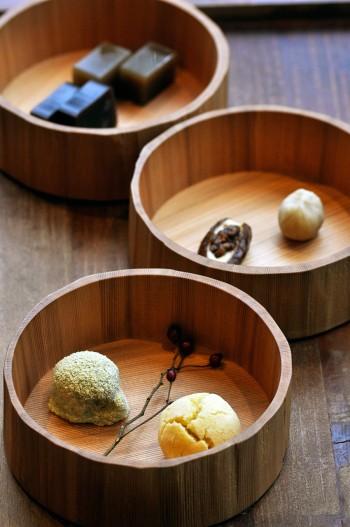 日本茶と和菓子のセットは1500円〜。