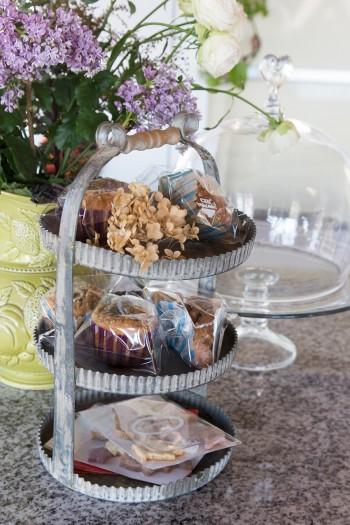 法律に準じたキッチンの設計で営業許可を取得しているので、おいしそうなマフィンやクッキーを販売もできる。