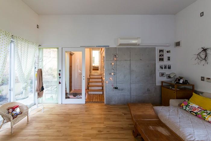 1階はRC造。「天井が高いので、ここにロフトを作ってもいいかなと思っています」