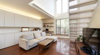 ヘーベルハウスの実例 豊富な収納とスタディコーナー開放的な吹き抜けリビングの家