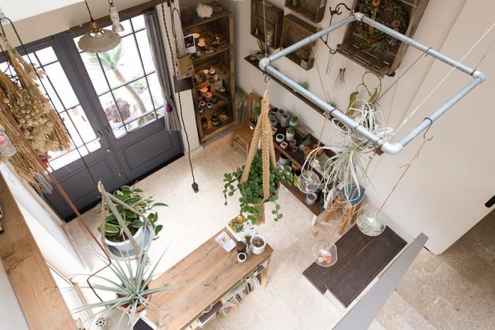 1階のショップは週4日営業。4月から休業中だったカフェもオープンする。