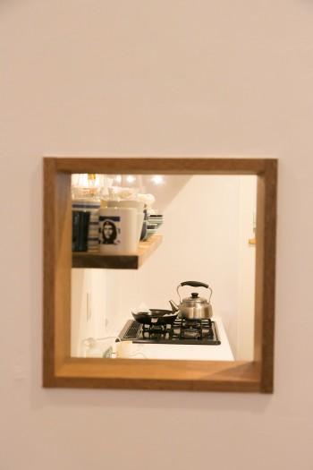 リビングからキッチンをチラリと覗ける小窓を作ったのは青木さんのアイディア。