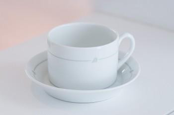 共同運航乗務時にもらった思い出の一品。アリタリア航空ファーストクラスのチャードジノリ製コーヒーカップ&ソーサー。