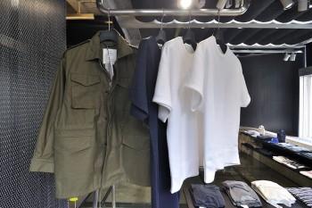 HYKEのフィールドジャケットやハーフスリーブスウェット。