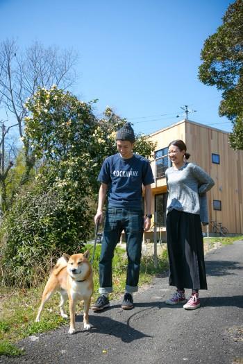 2歳の柴犬のホホンくんの散歩コースにはこと欠かない、抜群の住環境。