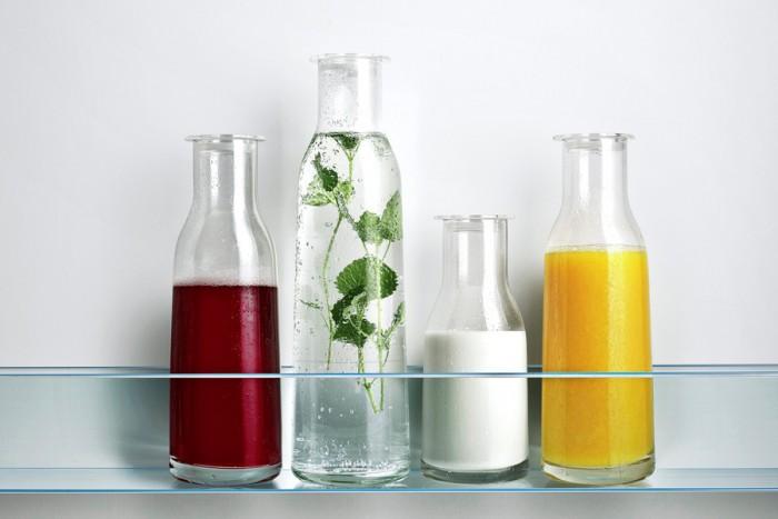 冷蔵庫では保存容器として、テーブルではオシャレなカラフェとして活躍。