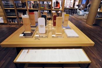 moconocoのモダン神棚も登場。現代の住空間に沿うシンプルなデザイン。
