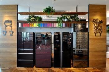 お好みのカラーにカスタマイズができる冷蔵庫。