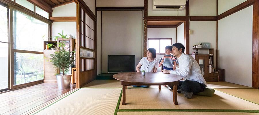 古い日本家屋に暮らす癒しと恵みに溢れた豊かな土壌のある生活