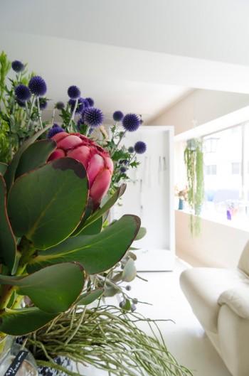 ゲストスタッフをイメージして仕入れる花も変えるという。