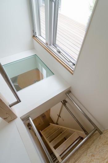 2 階とロフトとをつなぐハシゴ。