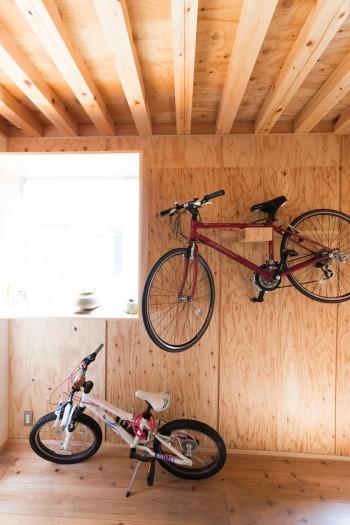 家族の趣味はアウトドア。自転車やキャンプなどを楽しむ。
