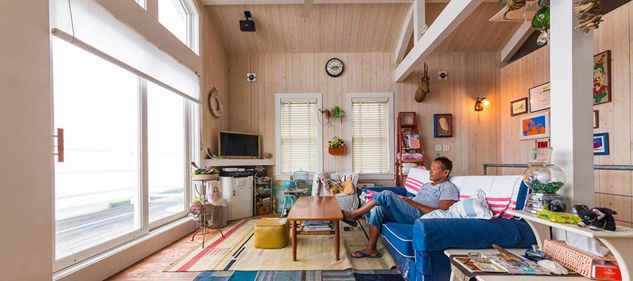 稲村ヶ崎のサーファーズハウス目の前に水平線が広がる海沿いの家の暮らし