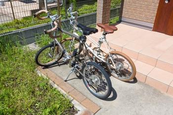 葉山に来てから自転車が大活躍。茶色のサドルとタイヤにこだわった。