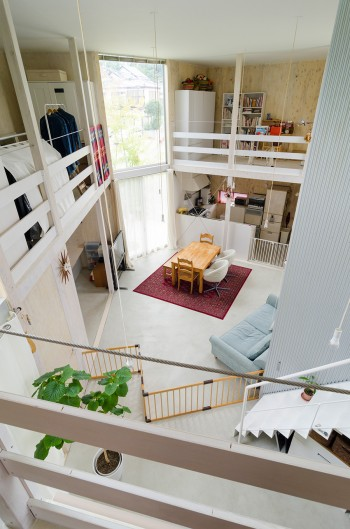 水回りの上の、趣味の共有部屋から見下ろす。