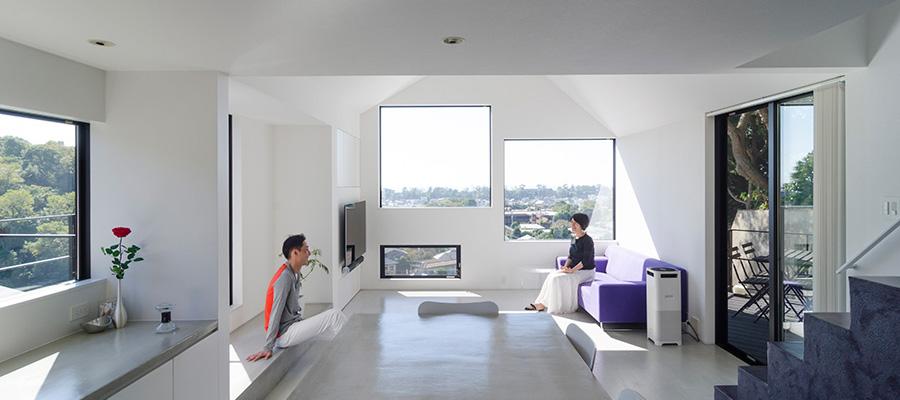 大磯の海と山を満喫する家  非日常性を演出する ホテルライクなシンプル空間